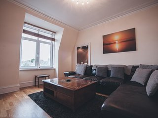 Prime 2 Bedroom City Centre Apartment