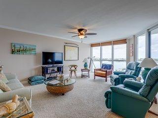 SeaSpray Perdido Key Condo #513 ~ Beautiful 2 Bedroom Condo on Ole River