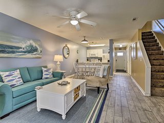 NEW! Chic Panama City Condo, 300 Ft Walk to Beach!