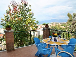 Tiffany apartment with sea view terrace in the center of Sperlonga
