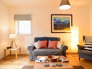 Cool Royal Mile Relaxed Apartment - Old Town