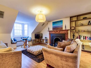 Charlotte Square City Centre Penthouse (sleeps 6)