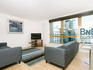 City Centre 2bed with Free Parking & Elevator