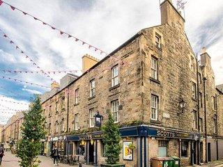 Rose Street 3 Bedroom Apartment: Heart of Edinburgh