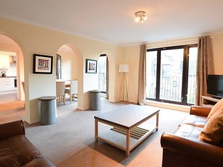Historic City Centre Apt with Free Secure Parking