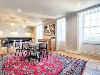 Luxury 2bed Apart on Frederick St - Heart of City