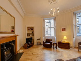 Spacious 2Bed in Heart of Old Town (Diagon Alley)