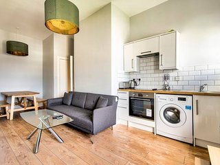 Ultimate Location! Royal Mile 1-Bed (sleeps 4)