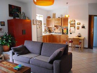 Casa con giardino a 20 km da Milano e Svizzera