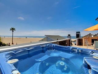 Beautiful Luxury Oceanfront Single Family Home with Rooftop Hot Tub!