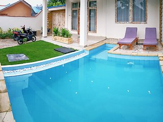 Luxury Villa with Swimming pool in Waingapu - sleeps 6