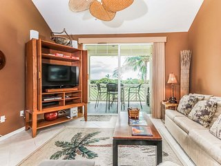 Warm Welcoming 3 BR Townhome Near Ocean w/ Pool, WiFi, & Fitness Center