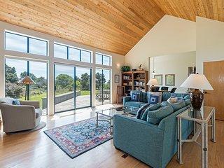 Spacious Home near Beach w/ WiFi, BBQ Grill, Hot Tub & Complex Pool Access
