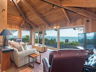 Scenic 3 BR Ocean View Cottage w/ WiFi, Full Kitchen, & BBQ