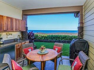 Tropical 2 BR Condo w/ Ocean Views, Fitness Room, Hot Tub, Pool, WiFi, & Hot Tub
