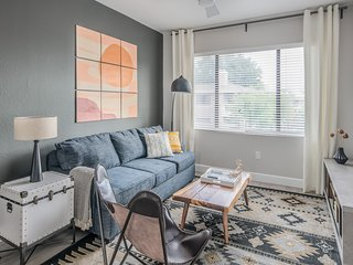 Luxury 3BR near Kierland Commons by WanderJaunt