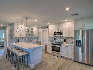 Tasteful Mod Home w/ Patio + Grill <2 Mi to Beach!