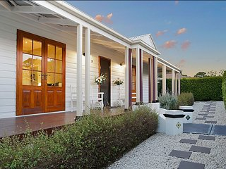 Luxury Hunter House - Wine Country Experience