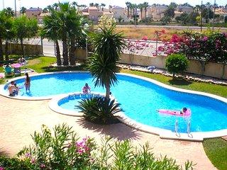 Costa Blanca South - 2 Bedroom 2nd Floor Apartment - Playa Flamenca