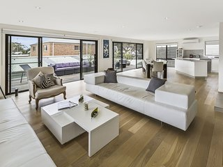 Luxe-Island-Retreat - Raymond Island, VIC