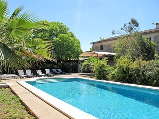 4 bedroom Villa with Pool, WiFi and Walk to Beach & Shops - 5792291