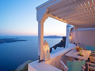 Imerovigli Villa Sleeps 7 with Air Con and WiFi - 5248665