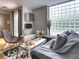 Buttes Chaumont, family apartment (365)