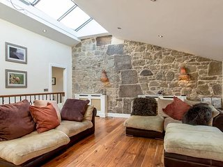 Prestigious Location - Quintessential Mews House