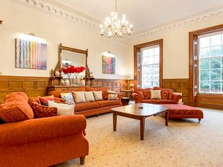 Luxury 3 bed Apt in Prestigious Park District