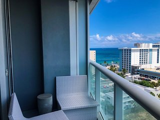 Beach Resort Luxury 1 bedroom Condo, High Floor Ocean View