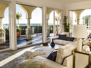The Seafront Manor by The Getaway Collection