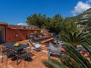 Vico Equense Villa Sleeps 5 with Air Con and WiFi - 5737708