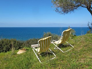 2 bedroom Villa with Walk to Beach & Shops - 5791354