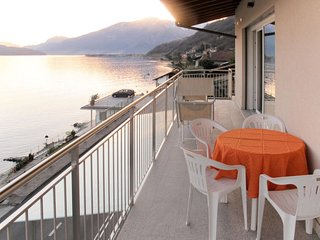 2 bedroom Apartment with Air Con, WiFi and Walk to Beach & Shops - 5791459