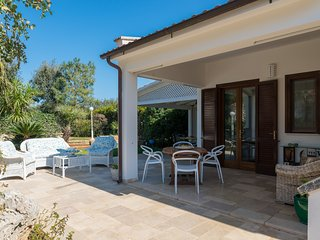 Villa Rosa Marina with garden by Wonderful Italy