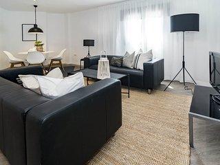 PR66 - Modern 1 Bedroom Beachside Apartment