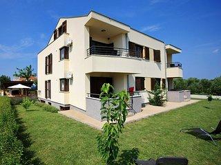 Ferienwohnung 4729-3 für 4+2 Pers. in Bibinje