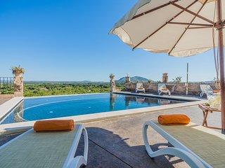 Increíble Villa Son Chete con Piscina infinita y Vistas Panorámicas