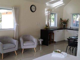 Raukura Holiday Homes- Serene, Mountain Views, private, romantic escape