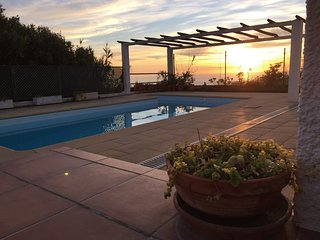 Villa Coxos (Pool & Sea View) Ideal for families