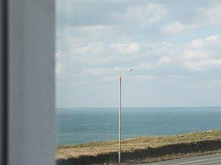 Coastline Apartment | Coast Path | Porth Beach