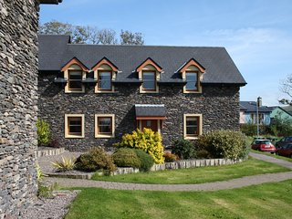 Dingle Courtyard Cottages (2 Bed - Sleeps 4)