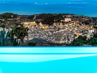 Scicli Villa Sleeps 10 with Pool Air Con and WiFi - 5247466
