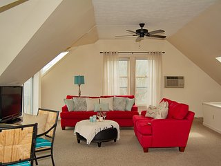 Ogunquit - Perkins Cove 2 Bedroom Condo