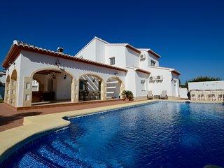 Villa la Siesta; prachtige 8 pers. villa met privé zwembad in Jávea Costa Blanca