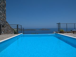 Bendevis Villa Sleeps 6 with Pool and WiFi - 5248627