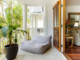 Stay in Style! Noosa 1 Bedroom Apartment Free WIFI*Netflix*Parking*4 Pools*Spa*