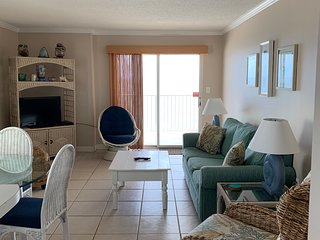 2 BR Direct Beach Front - Chilling on the Beach! -Clearwater Unit 7A-Gulf Shores