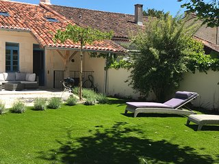Delightful newly renovated Charentaise house within the village of Aubeterre