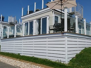 Superb holiday lodge with sea views - New Listing for 2019!